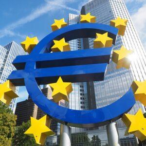 Дневные курсы евро. Автор/источник фото: Pixabay.com.
